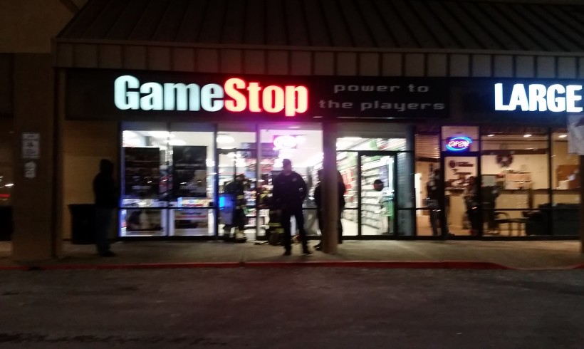 Commercial Structure Fire – GameStop Games